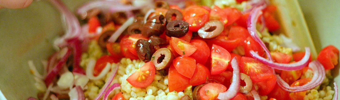 Ricetta insalata di orzo e verdure