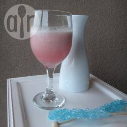 Cocktail con champagne alla vaniglia e limone