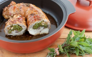 Ricetta arrosto di coniglio ripieno di asparagi, prosciutto e arachidi ...