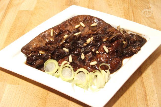 Ricetta fegato al balsamico con pinoli e uvetta