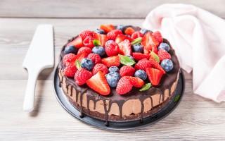 Ricetta cheesecake al cioccolato con frutti rossi