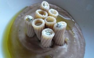 Ricetta polenta di castagne, rigatoni integrali e ricotta