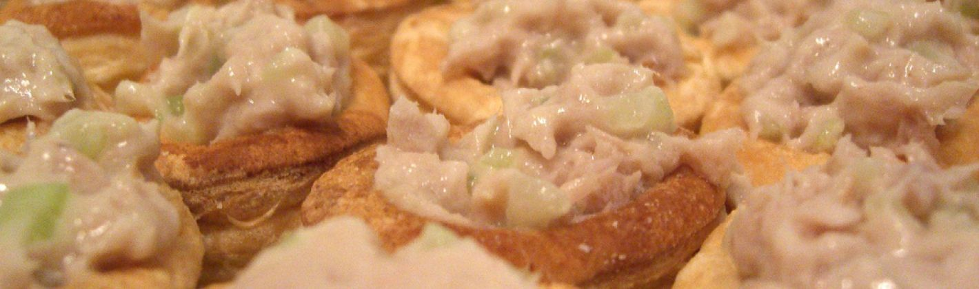 Ricetta tartine al tonno in salsa rosa