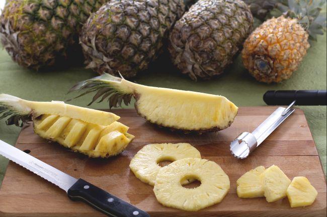 Ricetta come pulire e tagliare l'ananas