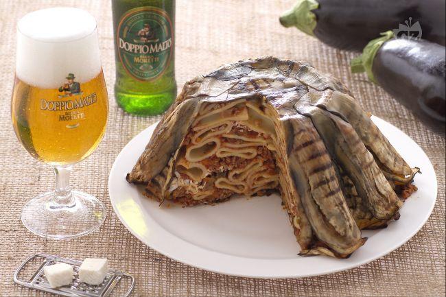 Ricetta timballo di maccheroni alla birra con ragù e melanzane