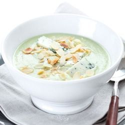 Ricetta crema di broccoli gorgonzola e mandorle