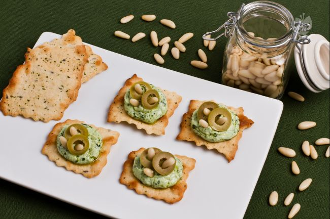 Ricetta sfoglie alle olive con pesto e ricotta