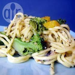 Pasta con peperoni e broccoli