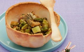 Ricetta ratatouille di primavera in ciotola di pane