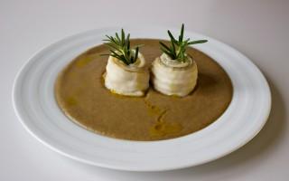 Ricetta pesce sciabola su crema di soia verde alle erbe aromatiche ...