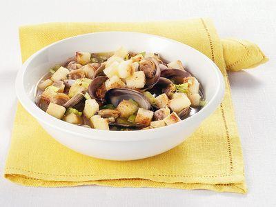 Ricetta zuppa di vongole con crostini di polenta bianca