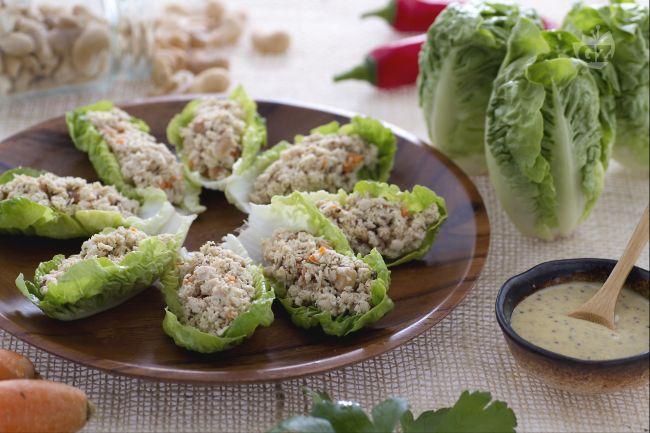 Ricetta cestini di lattuga con insalata di tacchino
