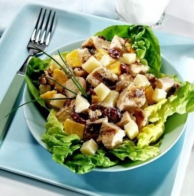 Ricetta insalatona di pollo, mele ed emmental