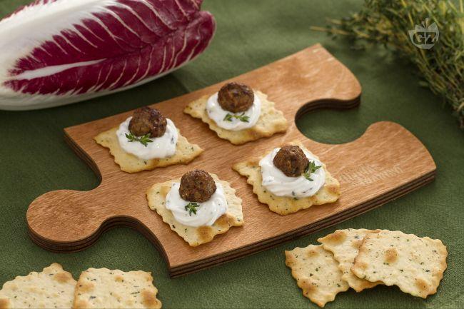 Ricetta sfoglie alle olive con polpettine di radicchio e crema di ...