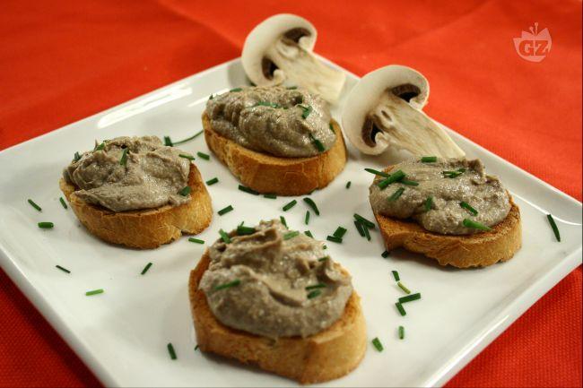 Ricetta crostini con patè di funghi champignon