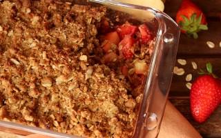 Ricetta crumble di mele e fragole