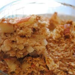 Torta di mele al forno con avena