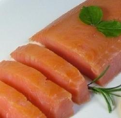 Ricetta ventaglietti di pasta sfoglia al salmone