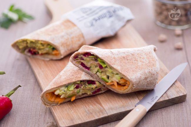 Ricetta wrap con hummus piccante e verdure