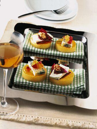 Ricetta tartine di polenta con formaggio e frutta