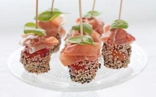 Ricetta pomodorini al sesamo con prosciutto crudo