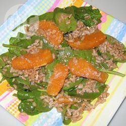 Insalata di riso integrale con vinaigrette all'arancia