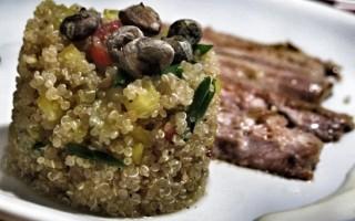 Ricetta insalata di quinoa con pesce e verdure ricetta for Cucinare edamame