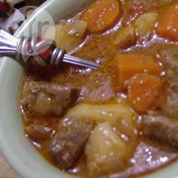 Spezzatino con patate piselli e funghi