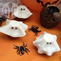 Fantasmi di cupcake per halloween