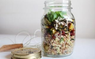 Ricetta farro e miglio con pomodori, zucchine e semi di girasole nel ...