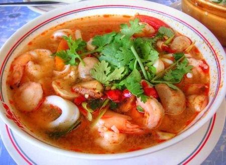 Ricetta zuppa di gamberetti (tom yum goong)