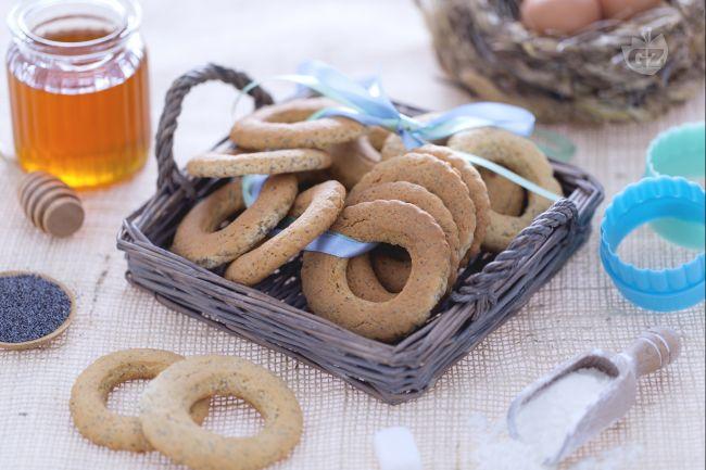 Ricetta biscotti al miele e semi di papavero