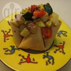 Cestini di pasta fillo con macedonia di verdure alle nocciole