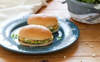 Ricetta panino frittata di zucchine e confettura di cipolle