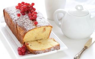 Ricetta cake alle nocciole e ribes