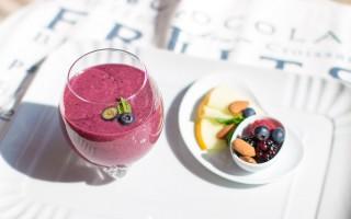 Ricetta smoothie ai frutti di bosco, melone, mandorle