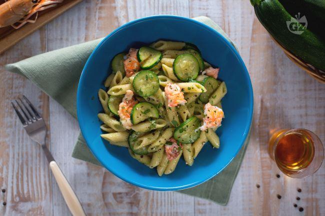 Ricetta pasta con crema di zucchine e scampi