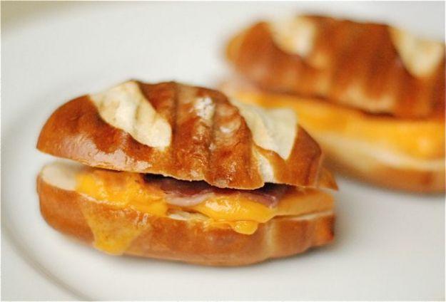 Ricetta pretzel farciti con formaggio