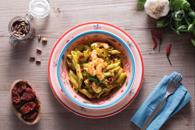 Ricetta pasta senza glutine con pesto di pistacchi, gamberi e ...