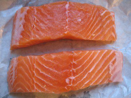 Ricetta salmone al dragoncello con fettuccine