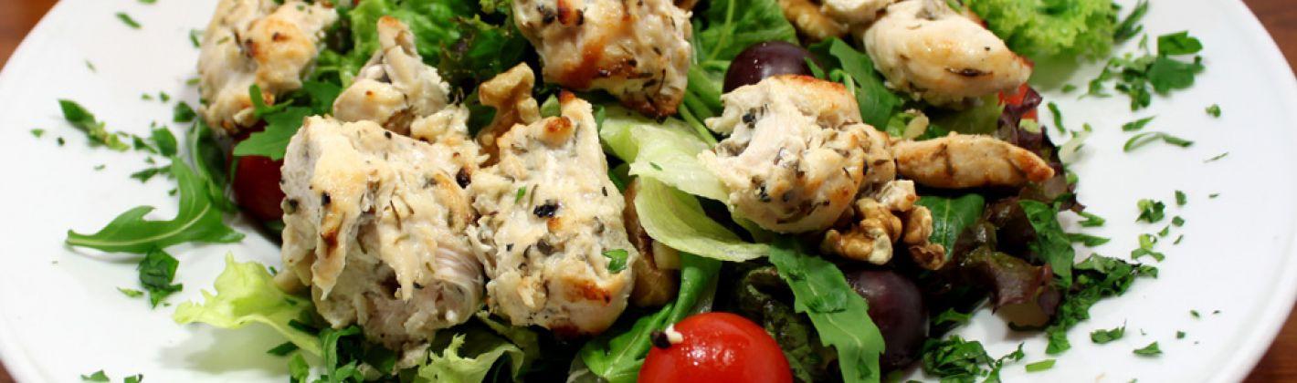 Ricetta insalata di pollo, uva e noci