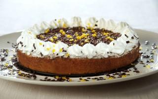 Ricetta torta all'arancia, panna e cioccolato