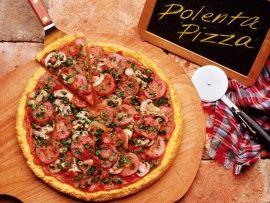 Ricetta pizza di polenta con salame