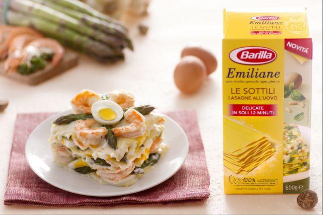 Ricetta lasagne con asparagi, uova e gamberi