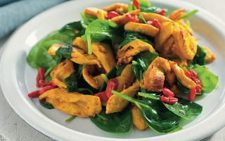 Ricetta pollo sauté allo zafferano, bacche di goji e spinacini ...