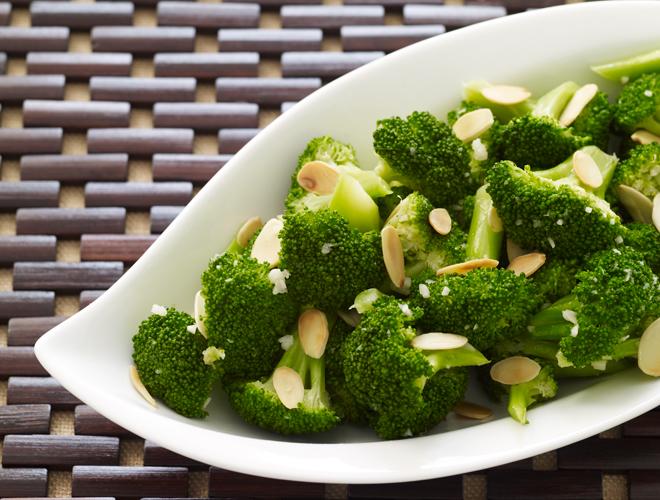 Broccoletti alle mandorle