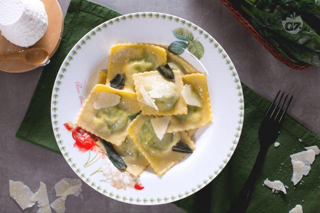 Ricetta ravioli ricotta e spinaci burro e salvia