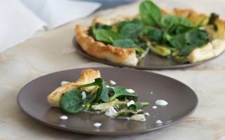 Ricetta torta salata con cipollotto, spinaci e gorgonzola