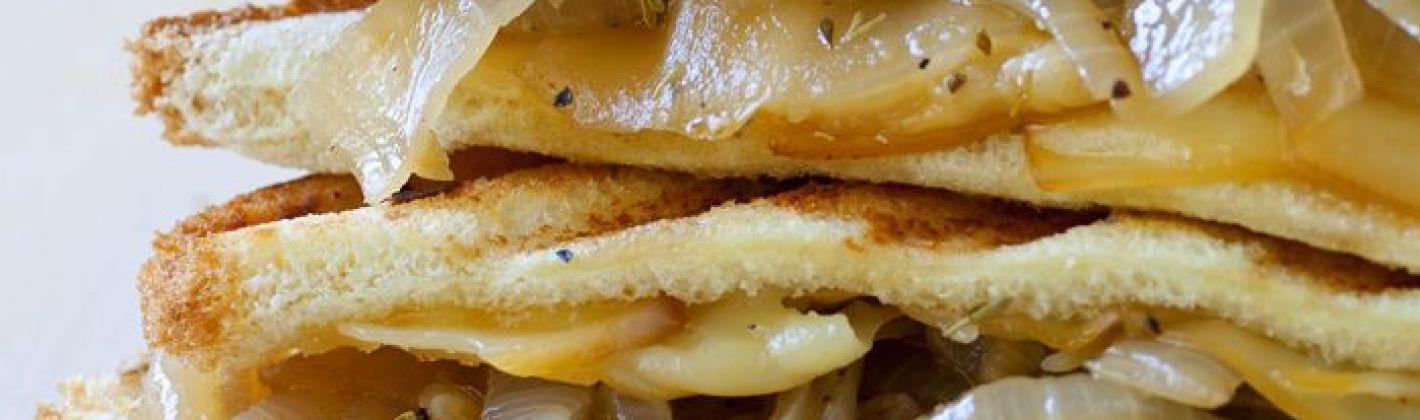 Ricetta panini alle cipolle