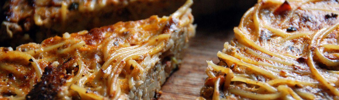 Ricetta spaghetti croccanti al pomodoro e mozzarella